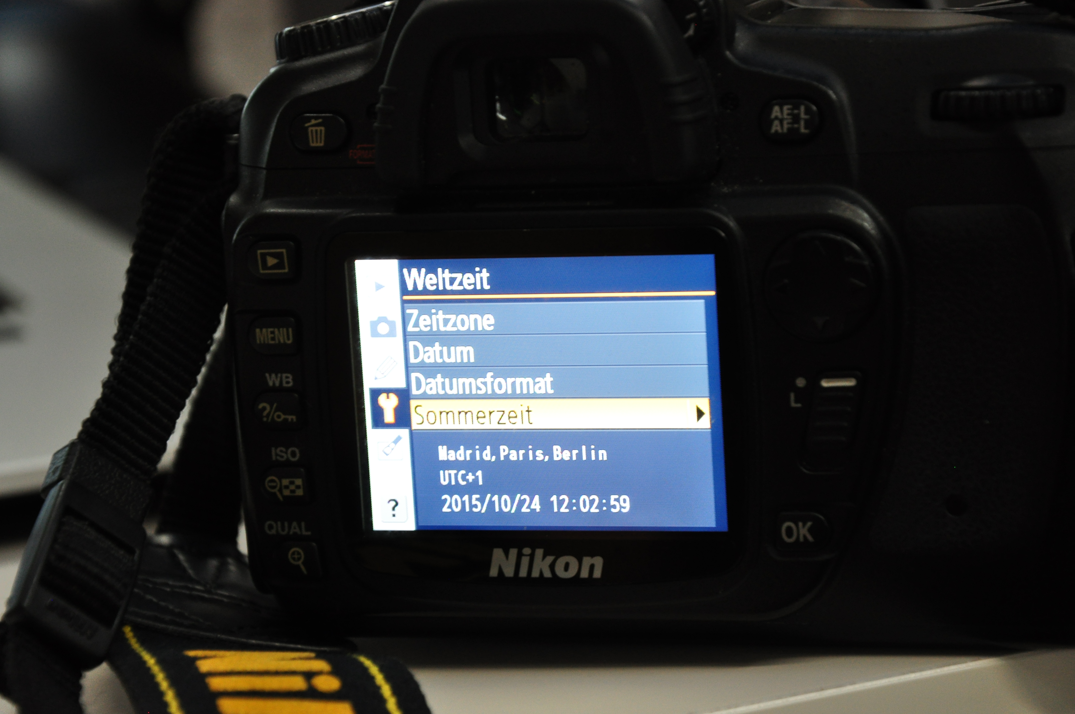 Zeitumstellung bei DSLR-Kameras